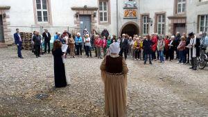 Die Geschichte des Schlosses wurde in rund 20 verschiedenen Szenen erzählt und gespielt.