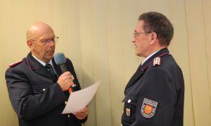Sieghart Röger bringt es sogar auf 60 Jahre Feuerwehr und erhielt dazu die Ehrung durch Brandabschnittsleiter Martin Dannhauer