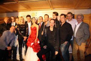 Gruppenbild mit André Holst, allen Künstlern und Hoteldirektor Thomas Mühl