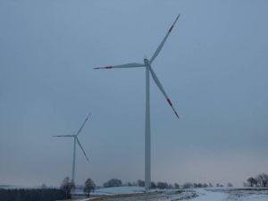 …ob die in Richtung Bartolfelde geplanten vier zusätzlichen Windräder jetzt noch dazukommen, ist aber fraglich.