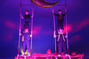 ....Akrobatik am Trapez.....
