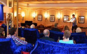 """Premierenlesung: im Vital Resort Mühl erlebten die Zuhörer eine """"Experimentierstunde"""" des Autors"""