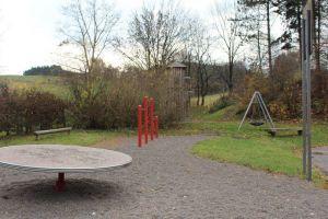 Der Spielplatz wird neben den Sportplatz an den Ortsausgang verlegt