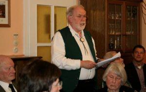 Ulrich Helmboldt bei seinem Vortrag zum Jubiläumsfest