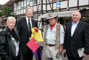 Gudrun Theyke, Dr. Thomas Gans, Gunter Demnig und Helmut Lüder