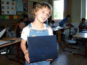 Waage: Jacqueline aus der 4b hat ihr Sternzeichen nachgebildet.