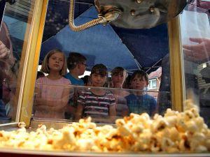 Geduldiges Warten auf den nächsten Popcorn-Hagel.