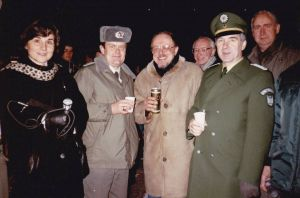 Silvesterbegegnung des Jahreswechsels 1989/1990 an der Grenzübergangsstelle Worbis-Duderstadt – unter anderem mit dem letzten Kommandanten der Grenztruppen an der Übergangsstelle.