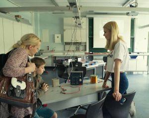 Physik: ein Elektromagnet wird hergestellt