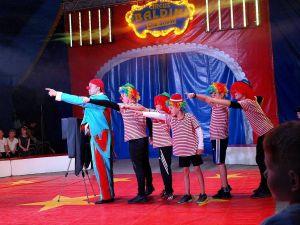 Die Clowns haben eine ungefähre Ahnung, wo es langgeht.