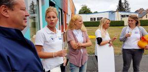 Ein Gläschen Sekt auf den Abschluss eines gelungenen Projektes. Im Foto von links: Erik Cziesla, Madlen Apel, Denise Horn, Saskia Dittrich-Cziesla und Claudia Gregasz. (Fotos: Rotary Club)