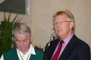 Hielten Grußworte: Bürgermeister Thomas Gans (rechts) und Harzklub-Vorsitzender Heinz-Gert Trüter.