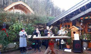 Das Südharzer Bläser-Quartett sorgte draußen…