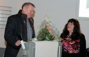 Ilse Sauer-Illhardt mit dem stellvertretenden Bürgermeister Frank Bode.