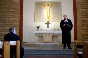 """""""Ich gebe die Gemeinde in gute Hände"""": Pastor Klaus-Wilhelm Depker hatte die Vakanzvertretung übernommen."""