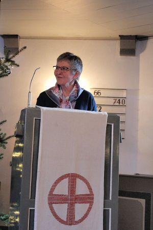 Die Vorsitzende des Barbiser Kirchenvorstandes Gerlind Gottschling bei ihrer Ansprache.