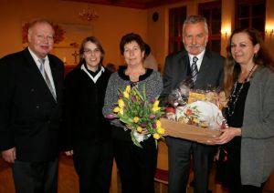 von links: Pastor i. R. Helmut Sassenberg, Pastorin Alexandra Ziemer, Carola Prüfer, Gottfried Prüfer, Inge Holzigel