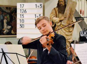 Merlin Wenkel begeisterte an der Geige.
