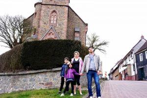 Giorgi und seine Familie wohnen in Herzberg in der Nähe der katholischen Kirche. Die nächste Georgische Orthodoxe Kirche ist in Hannover.