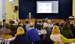Pastor Dr. Uwe Brinkmann informierte über den sogenannten Perspektivprozess.