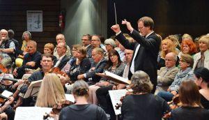 Einfühlsam und kompetent: Dirigent Jörg Ehrenfeuchter