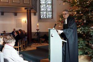 Dr. Roman Vielhauer bei seinem letzten Gottesdienst als Pastor in Barbis.