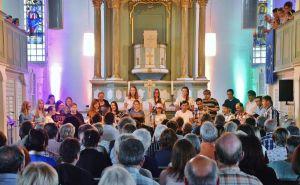 Die Jugendlichen unterschiedlicher Herkunft hatten ihrem ersten Konzert entgegengefiebert…