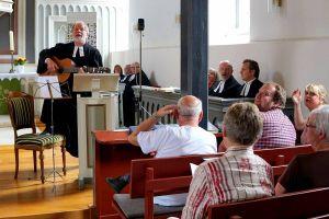 """""""Herr von Grubenhagen"""": Pastor i.R. Friedrich Seven gab einen Überraschungsauftritt."""