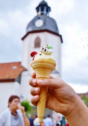 """…und die Sorte """"Kirche mit Eis""""…"""