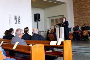 Das Pastorenehepaar hielt eine gemeinsame Predigt…