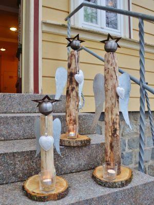 Drei Engel warten auf ihren Einsatz