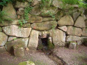 12b Das Wasser der im 19.Jahrhundert erbauten Augenquelle stammt aus dem Tiefen Stollen der Grube Kupferrose