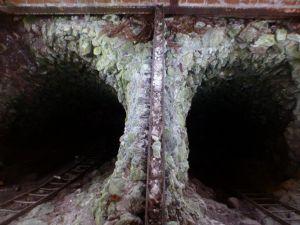 13a Kupferroser Neuer Schacht 1719-1748 - die zweigeteilte Ausmauerung ...