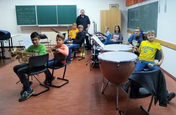 Das Schulorchester-Team.