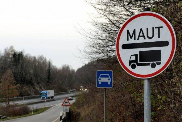 Bundesstraße plus Schnellstraße – das bedeutet jetzt fast immer Lkw-Maut. Ist die Maut auf der B 243n Schuld daran, dass an Barbis Zoll noch immer viele Lastwagen abfahren?