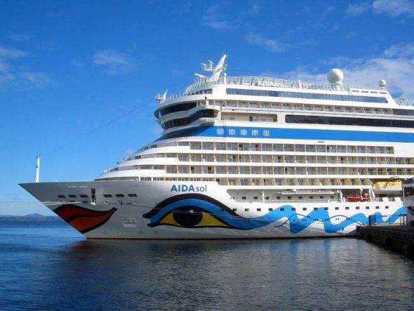 Aida sol im  Hafen von  Bergen, dem  zweitgrößten Seehafen Norwegens.