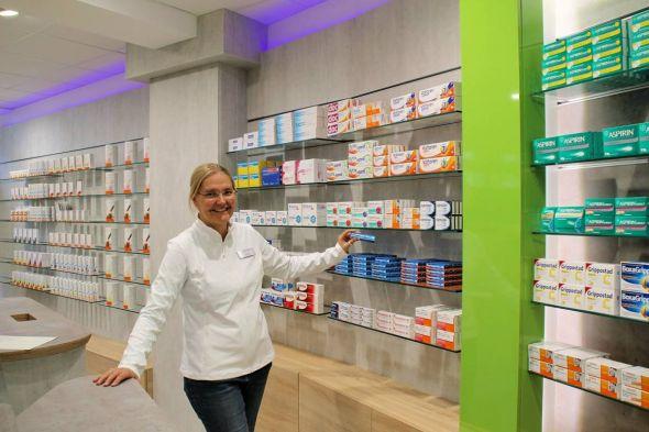 Erfüllt sich ihren Lebenstraum: Luisa Janssen in ihrer eigenen Apotheke.