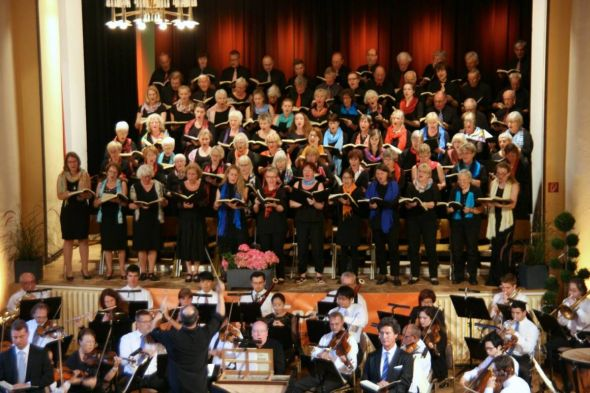 b_590_0_16777215_00_images_stories_com_form2content_p13_f10586_Konzert_Sommer_2016_2-1_singakademie_harz.jpg