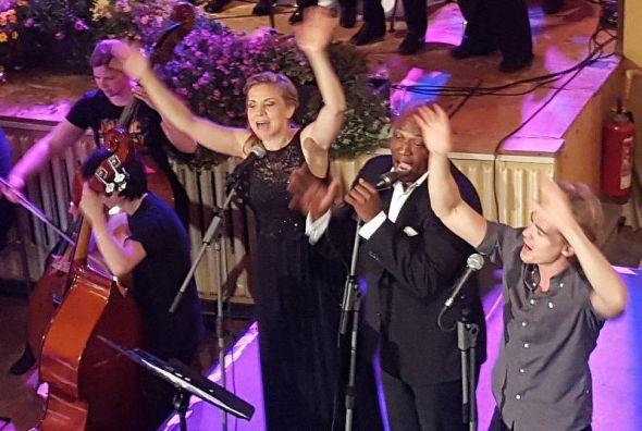 """We are the Champions"" - Katrin Taylor, Darrin Byrd und Anton Zetterholm"
