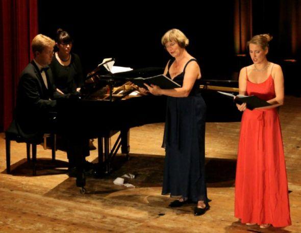 Heidrun und Christiane Heinke, Nicolas Bajorat am Flügel