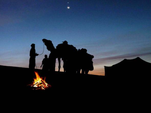 """Asien wird die """"Wiege der Märchen"""" genannt. Karawanen zogen durch das Land und an den Nachtfeuern wurden Geschichten und Märchen erzählt. (Foto: Märchenkosmos)"""