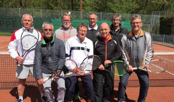 Die erfolgreiche Mannschaft Herren 65 des TC Barbis.