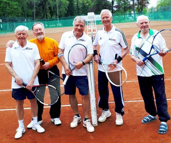 Die Bad Lauterberger Tennissenioren (von links): Otto Matzenauer, Wolfgang Lange, Peter Lehnen, Klaus-Dieter Jahn und Jürgen Sablotny.