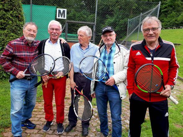 Trugen die Niederlage mit Fassung: Die Herren 70 des TC Bad Lauterberg in Burgdorf.