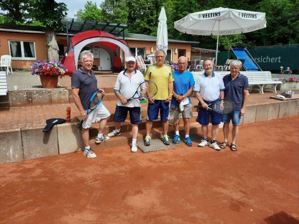b_590_0_16777215_00_images_stories_com_form2content_p14_f14539_Tennis.jpg