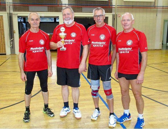 Die Turniersieger (von links): Viktor Landmann, Gerhard Johnen, Fritz Gericke und Christian Hartmann.