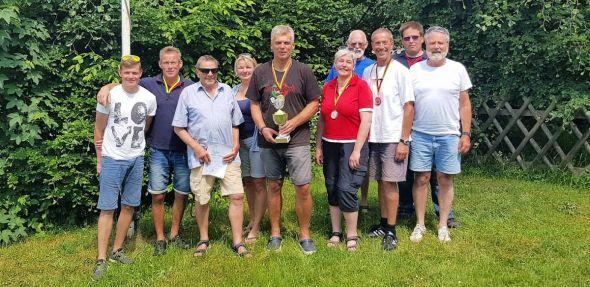 Teilnehmer und Wettkampfleitung (von links): Sebastian Hoppensack, Lars Fröhlich, Herbert Lassen, Wiebke Koch, Maik Knappe, Iris Boese, Dieter Koch, Hans-Werner Kneusels, Markus Zaunick und Rudi Speit.