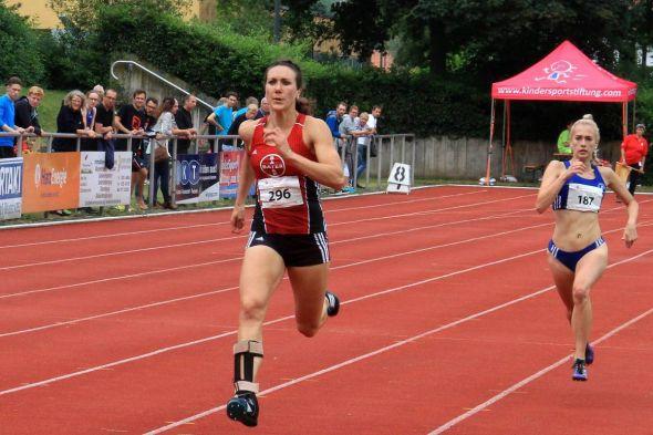 Irmgard Bensusan auf dem Weg zum Weltrekord. (Fotos (8): Corina Bialek / www.eseltreiber.de)