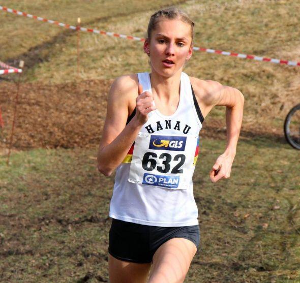 Hoffnungsvolles und vielseitiges Lauftalent: Lisa Oed bei einem Crosslauf…