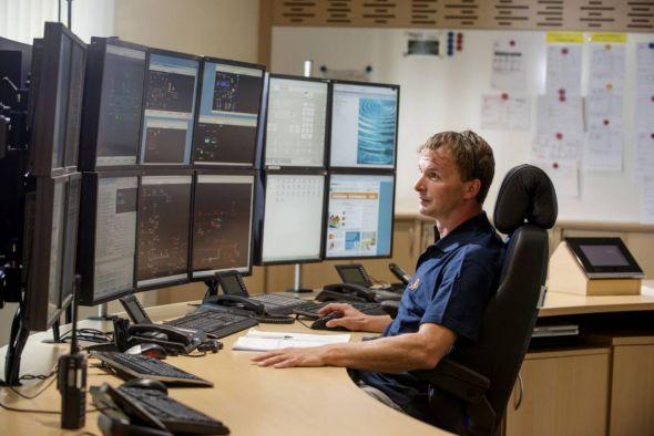 Rund um die Uhr überwachen Mitarbeiter der Harz Energie Netzgesellschaft im Dreischichtbetrieb die Leitungsnetze und Anlagen für Erdgas, Strom, Wärme  und Trinkwasser.